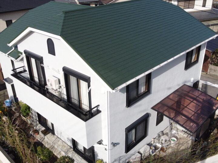 高知市瀬戸 t様邸 屋根塗装 外壁塗装工事 フッ素塗料で耐候性も高く、屋根には遮熱性能プラスし夏は涼しく電気代を節約できます。