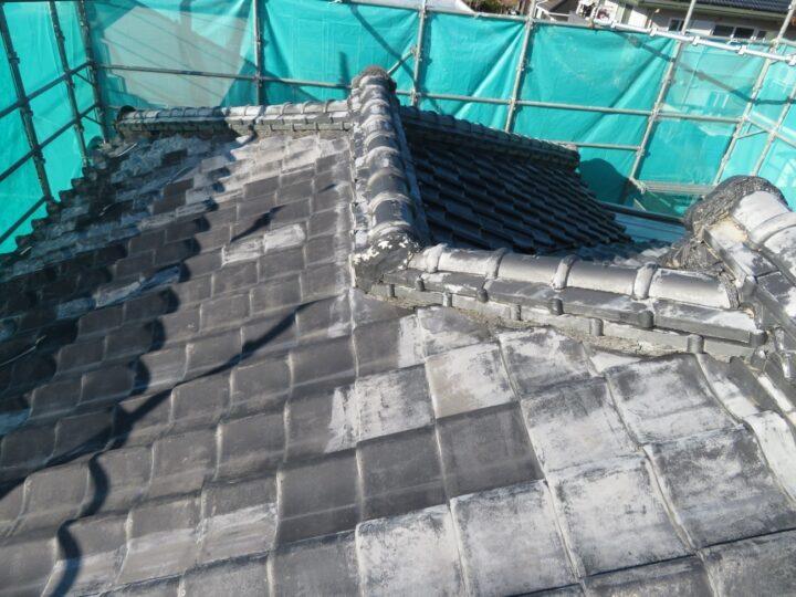 隅棟瓦積替え屋根塗装工事(施工前)