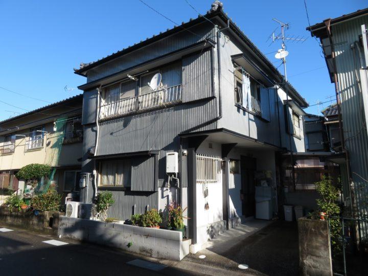 高知市竹島町 hアパート オール水性塗料で工事中に気になる臭い対策を行いました