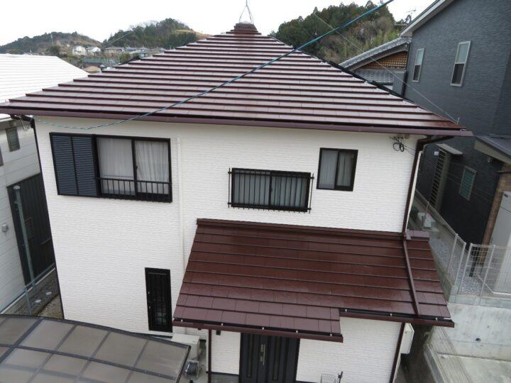 高知市横内 k様邸 屋根塗装 外壁塗装工事 色の組み合わせ方で可愛らしくもあり落ち着いた雰囲気に仕上がりました。