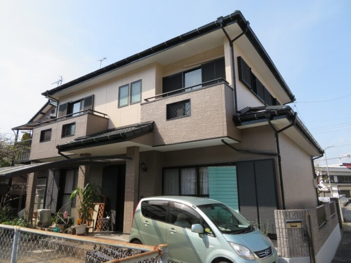 高知市孕西町 u様邸 屋根塗装 外壁塗装工事 瓦工事と併せて塗装しました。