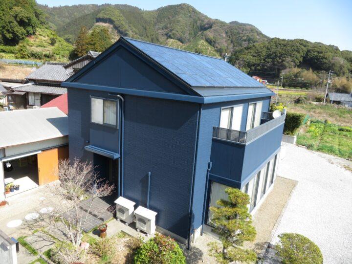土佐市 y様邸 屋根塗装 外壁塗装工事 お客様のお好みの色で塗装しました。