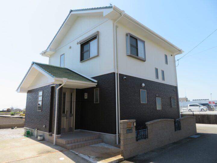 香南市 k様邸 ホワイトベージュ×コヒーブラウンの組合せでエレガントな雰囲気のお家に大変身 外壁塗装2色使い施工事例