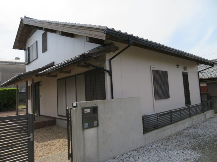 高知市春野町 o様邸 キタペン最上級塗料で外壁塗装 塗料グレードの頂点 超高耐候性 有機HRC樹脂塗料 タテイル2(T2)