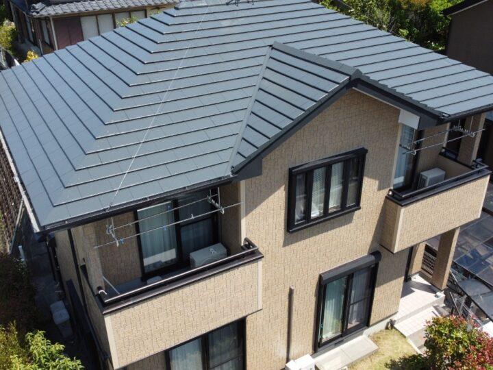 高知市河ノ瀬 f様邸 屋根塗装 外壁塗装工事 高意匠サイディングのクリアー塗装です。新築のような仕上がりになりました。