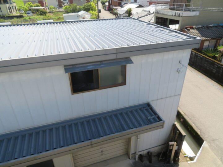 土佐市 n様邸 倉庫塗装工事 高耐候塗料アレスダイナミックルーフMUKIで塗装しました。
