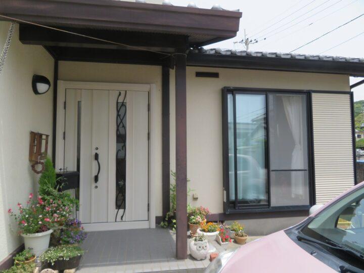 香南市 y様邸 ドアリモ 塗装工事 壁を壊さない「カバー工法」なので短時間で最新ドアに変えられます。