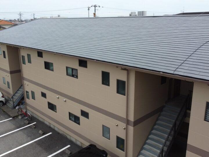 南国市 fマンション 屋根塗装 外壁塗装工事 オーナー様こだわりの2色分けで仕上がりました。