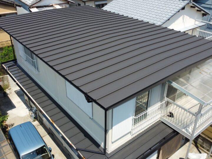屋根カバー工法を施工しました。高知市竹島町 k様邸 外壁塗装工事