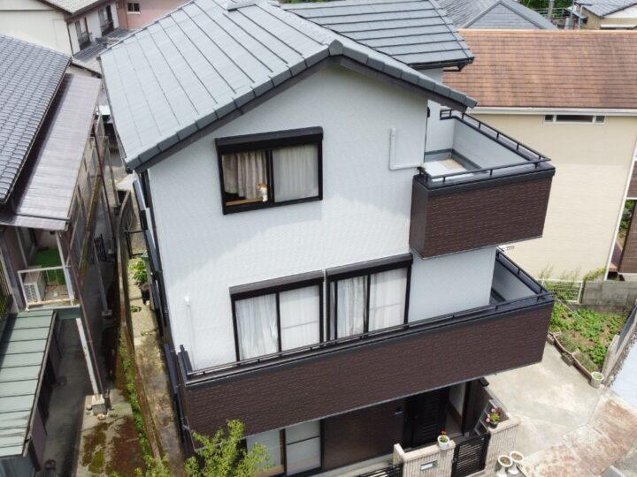 高知市一宮 t様邸 屋根塗装 外壁塗装工事 明度差のあるツートンカラーでモダンな雰囲気に仕上がりました。
