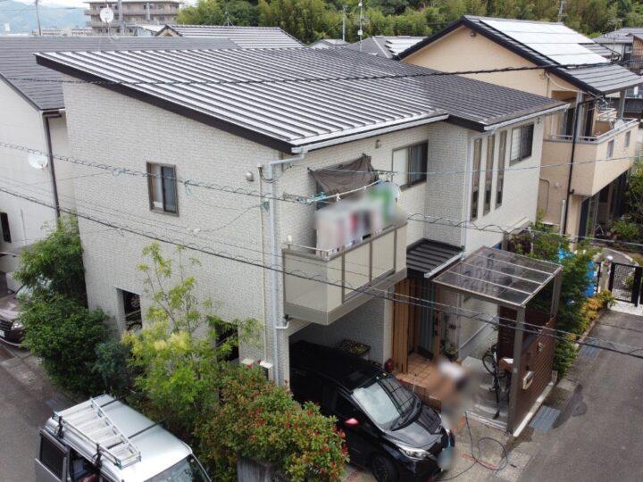 個性的で上品な仕上がりのWB多彩仕上工法で塗装しました 高知市神田 f様邸 屋根塗装 外壁塗装工事