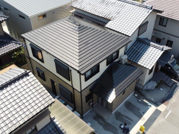 超高耐候クリヤー仕上げ 高知市介良m様邸 屋根塗装工事 タフグロスコート 洋風セメント瓦(平板瓦)