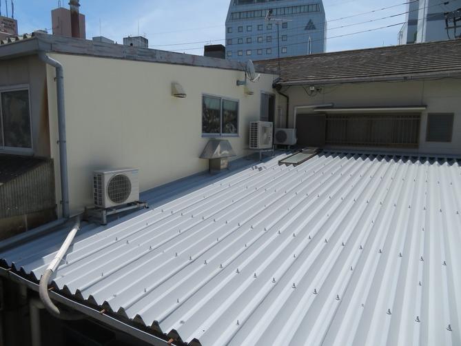 高知市廿代町 t様邸 屋根塗装工事 外壁塗装工事 錆に強い塗料で安心🤩✨✨