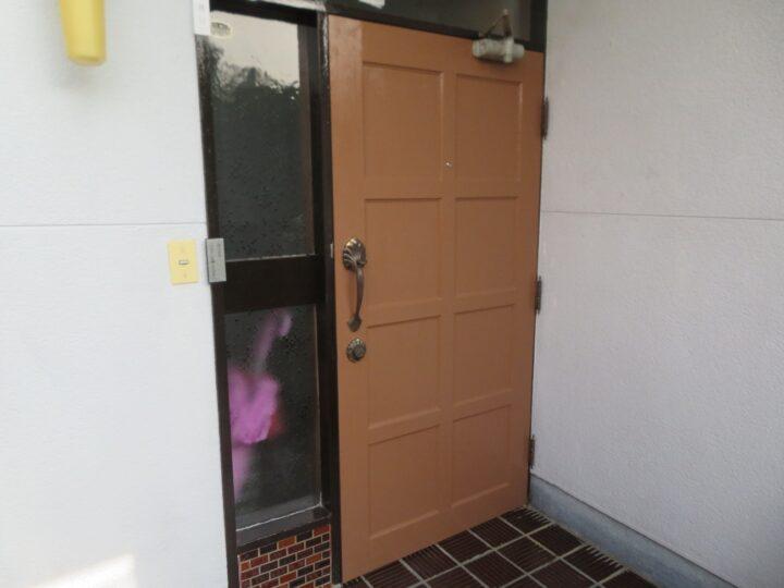 高知市神田 y様邸 木部玄関ドア塗装 ムラなく仕上がりました