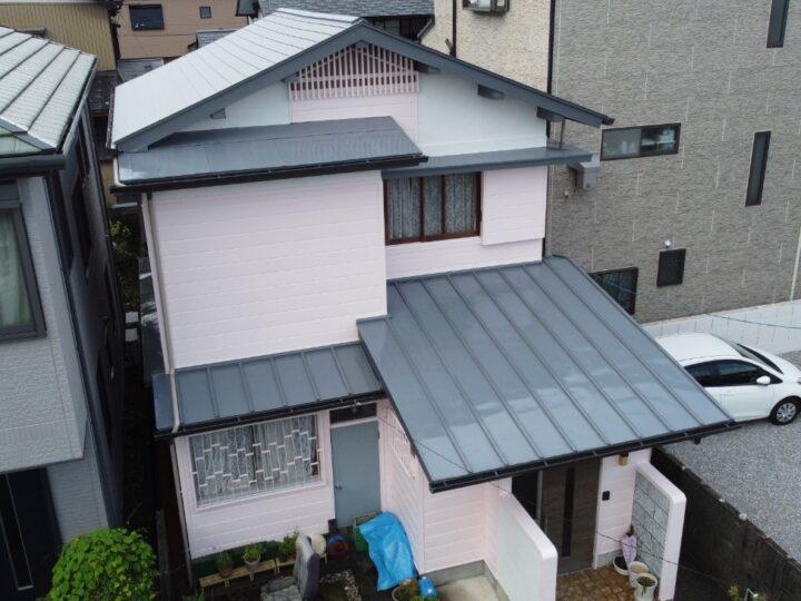 高知市大津 m様邸 新しい屋根に合わせた色で仕上げました